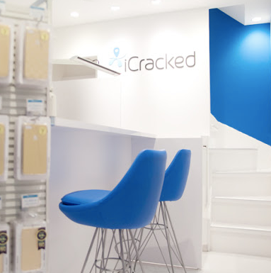 iCracked Store 吉祥寺の写真2枚目